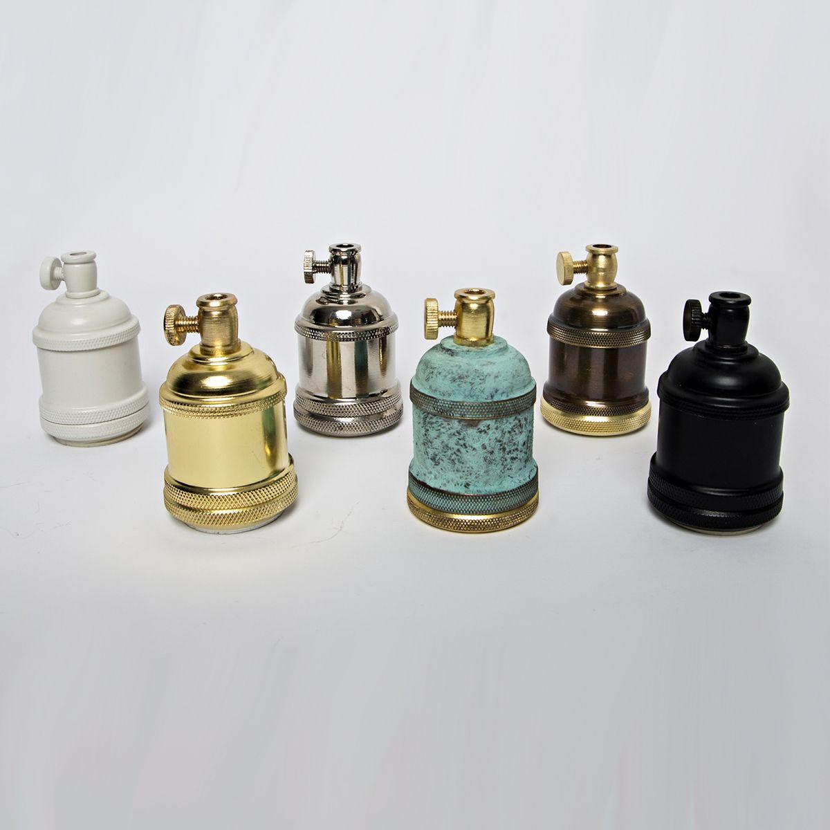 Комплектующие: лампочки, провод, патрон