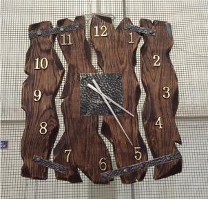 Часы деревянные h 720 × 680 настенные атс