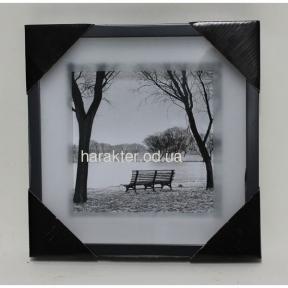 картина в чёрной рамке скамейка
