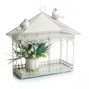 Домик для цветов или кормушка для птиц